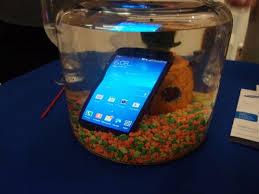 سامسونج تطرح هاتفا ذكيا يصور تحت الماء